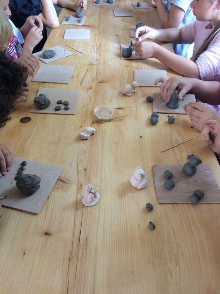 Zajęcia w pracowni ceramicznej